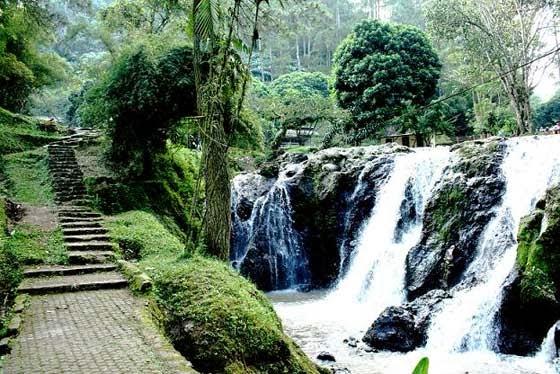 10 Tempat Wisata Alam Di Bandung Yang Menarik Tempat