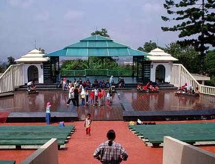 Taman budaya dago bandung 3