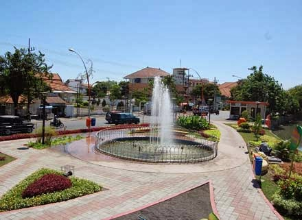 Wisata Ke Taman Bungkul Surabaya 2