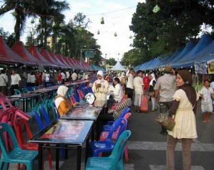 Ngabuburit di Jalan Panjang