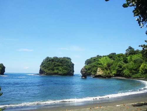 Pantai Licin Ampelgading - Malang Selatan