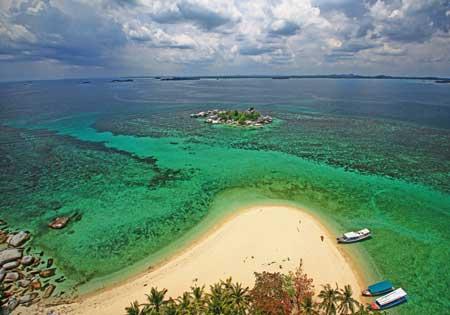 Pulau Lengkuas di bangka Belitung