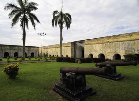 Benteng Marlborough Kota Bengkulu