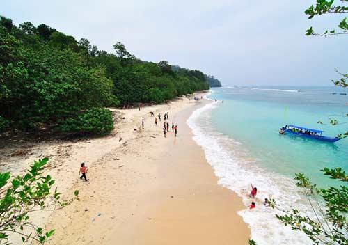 3 Keseruan di Pantai Pananjung Pangandaran