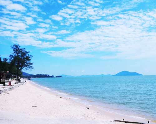 Pantai Pasir Panjang Kalimantan Barat