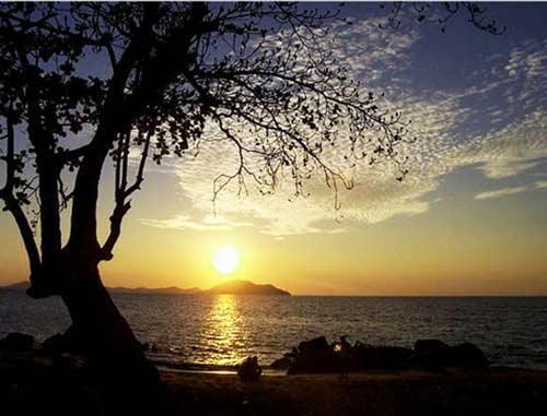 pantai pasir panjang Kota Singkawang
